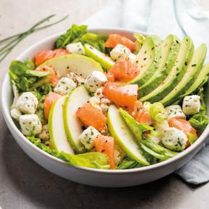 Salade au saumon, quinoa, avocat et pomme verte