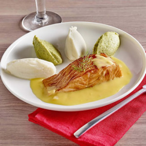 Saumon rôti, beurre blanc aux agrumes, chou-fleur et brocoli texture entière